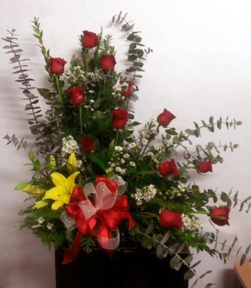 12 Rosas con Lilys y Dolar - Flores, Florería, Floristería