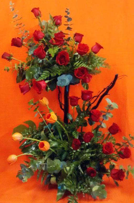2 Pisos con Rosas y Tulipanes - Flores, Florería, Floristería