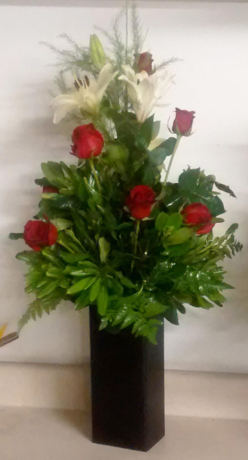 6 Rosas en Base de Madera - Flores, Florería, Floristería