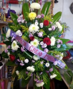 Corona con Spider y Rosas - Flores, Florería, Floristería