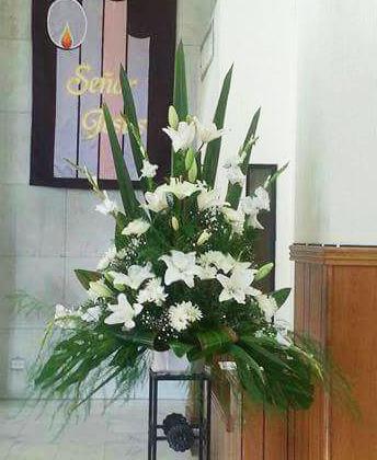Arreglo para Altar - Flores, Florería, Floristería