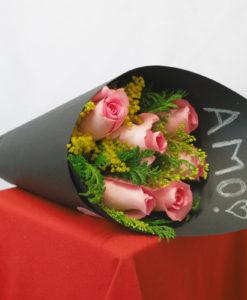 Bouquet de 6 Rosas con Follaje en Negro - Flores, Florería, Floristería
