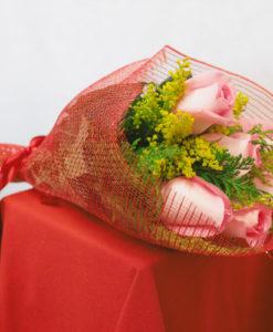 Bouquet de 6 Rosas con Follaje en Red - Flores, Florería, Floristería