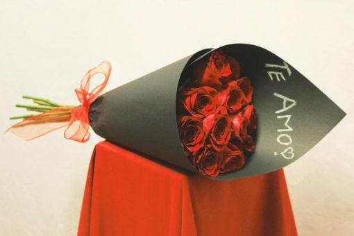 Bouquet de 12 Rosas en Negro - Flores, Florería, Floristería
