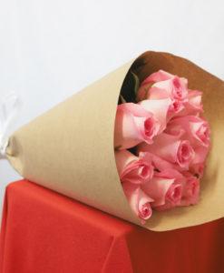 Bouquet de 12 Rosas en Kraft - Flores, Florería, Floristería