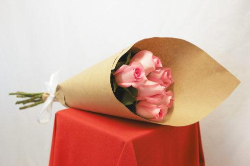 Bouquet de 6 Rosas en Kraft - Flores, Florería, Floristería