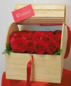 Baúl con 24 Rosas - Flores, Florería, Floristería