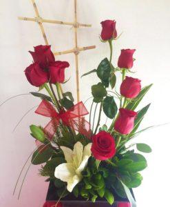 8 Rosas con Lilys - Flores, Florería, Floristería
